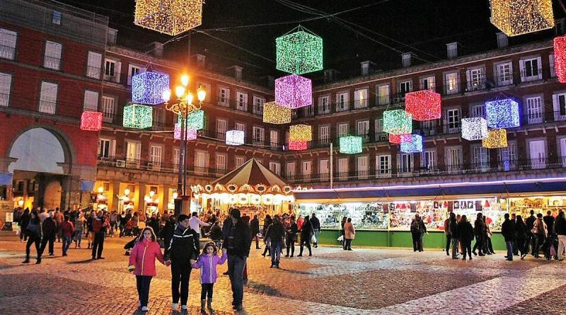 Mercado de Navidad en Plaza Mayor-Senderos